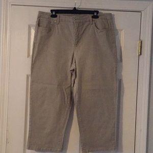 Style & Co. khaki capri. Size 16